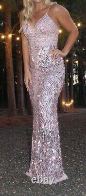 Sherri hill prom dress size 6 only worn for a picture. Paid $800 originally